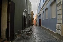 Alexis_Masino_UPenn_Tony_Ward_Old_San_Juan_Puerto_Rico_spring_break_vacation_photo_photography_island_street_alley_restaurant_colors_green