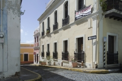 Alexis_Masino_UPenn_Tony_Ward_Old_San_Juan_Puerto_Rico_spring_break_vacation_photo_photography_island_street_colors_colorful_alley_house_building_home_spanish