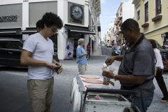 Alexis_Masino_UPenn_Tony_Ward_Old_San_Juan_Puerto_Rico_spring_break_vacation_photo_photography_island_tourist_student_ice_cream_vendor_street