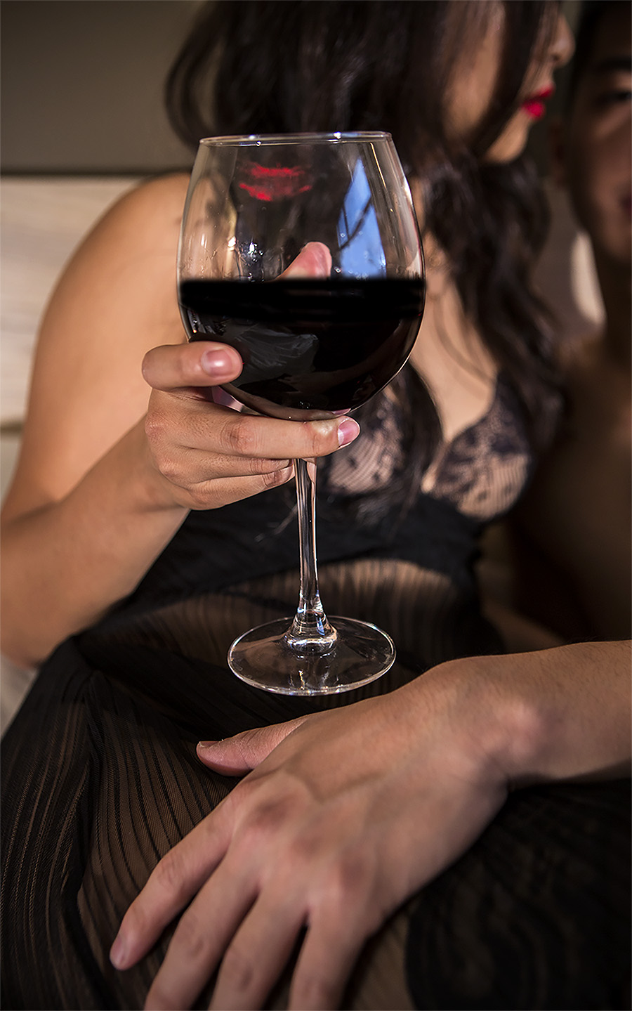 Amber_Shi_erotic_photography_Wine_foreplay_lipstain_lace