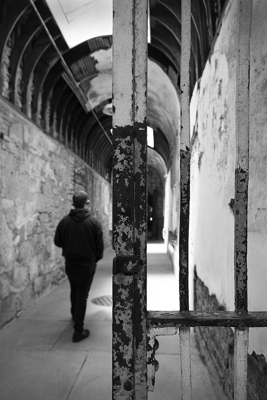 Zoe_Photography_EasternStatePenitentiary_Philadelphia_TheLostPast_WalkingIntoThePain
