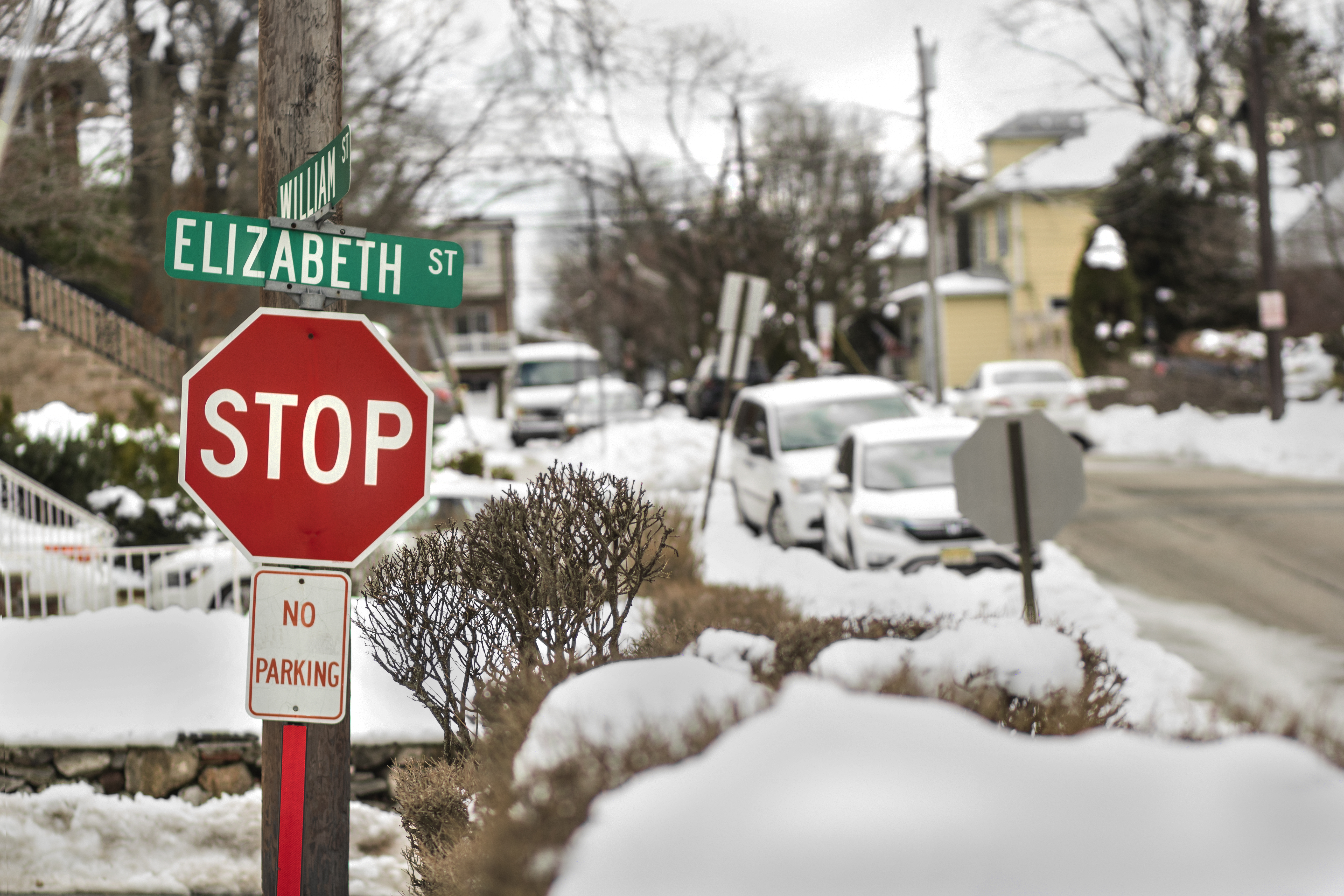 Eileen_Ko_Travel_Street_Red_Green_Signs