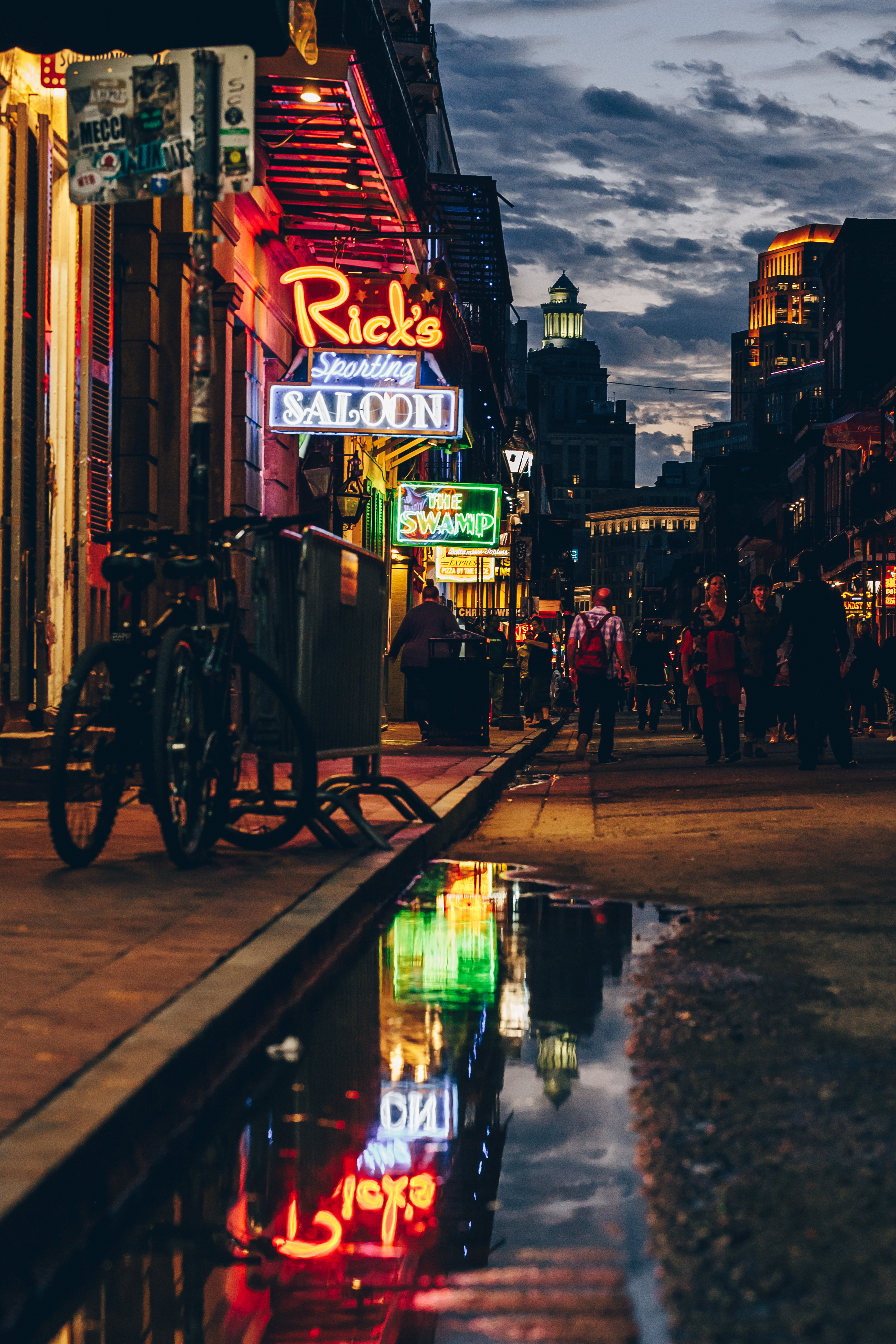 Wing_Hei_Emily_Cheng_Assignment_3_Travel_Photography_New_Orleans_Neon_Lights-3