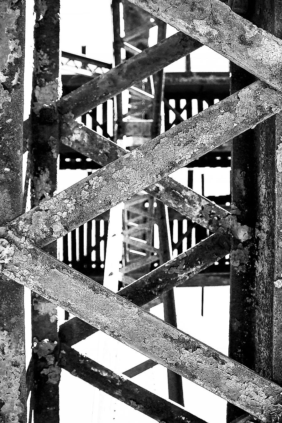 Janelle_Tong_Photography_Tony_Ward_Studio_Individual_Project_UPenn_Penn_Park_Bridges_Railroad_Tracks_Underneath_Rust_Closeup_Perspective_Black_and_White