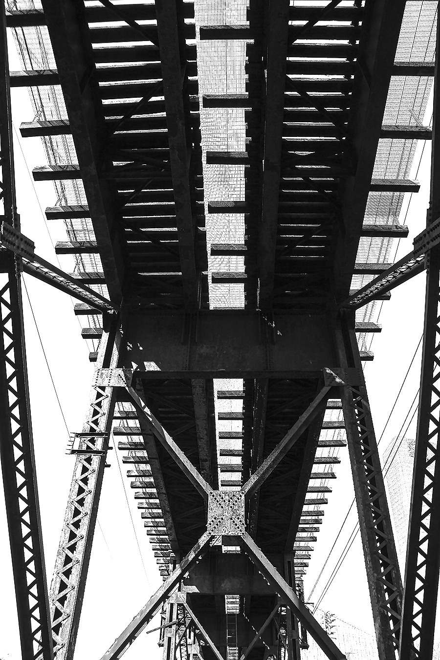 Janelle_Tong_Photography_Tony_Ward_Studio_Individual_Project_UPenn_Penn_Park_Bridges_Railroad_Tracks_Underneath_Rust_Structure_Black_and_White_1