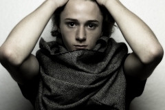 Rongrong_Liu_fashion_photography_K_Vaughn_scarves_UPenn