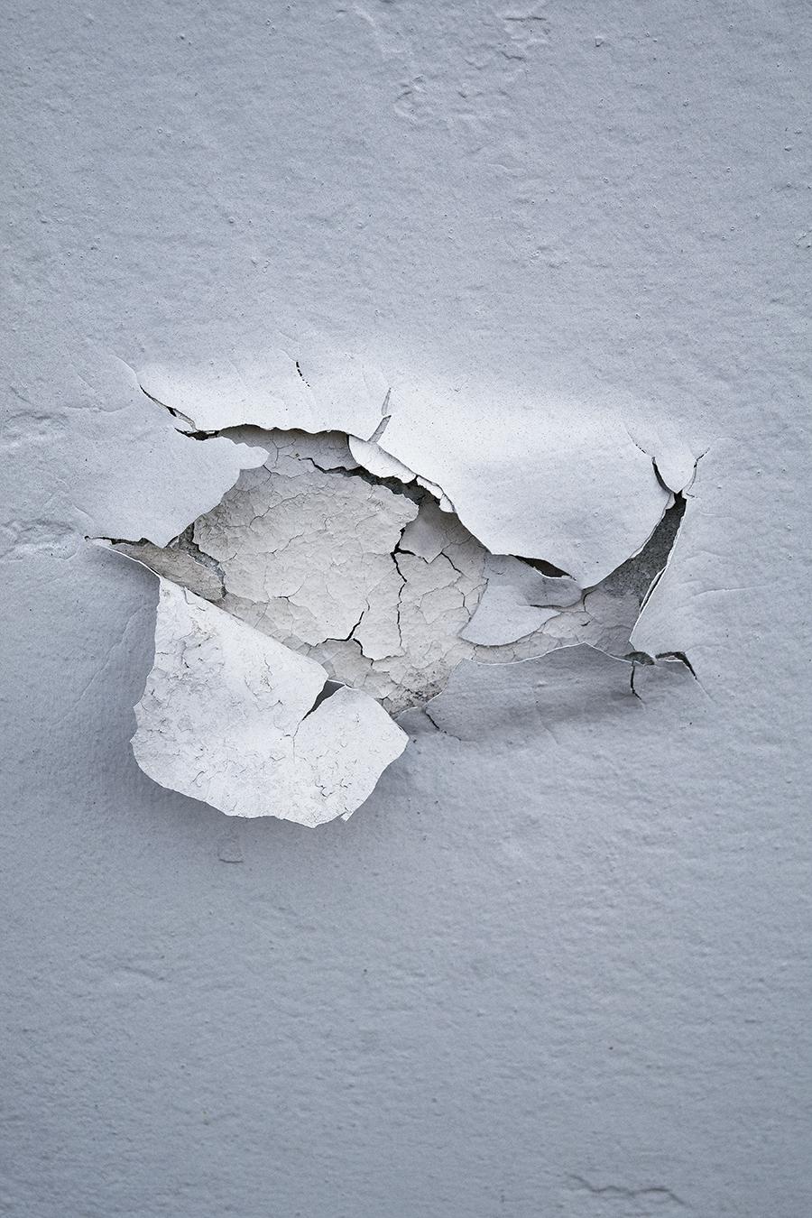 Karen_Liao_still_life_photography_white_layer_wall_fractured_broken