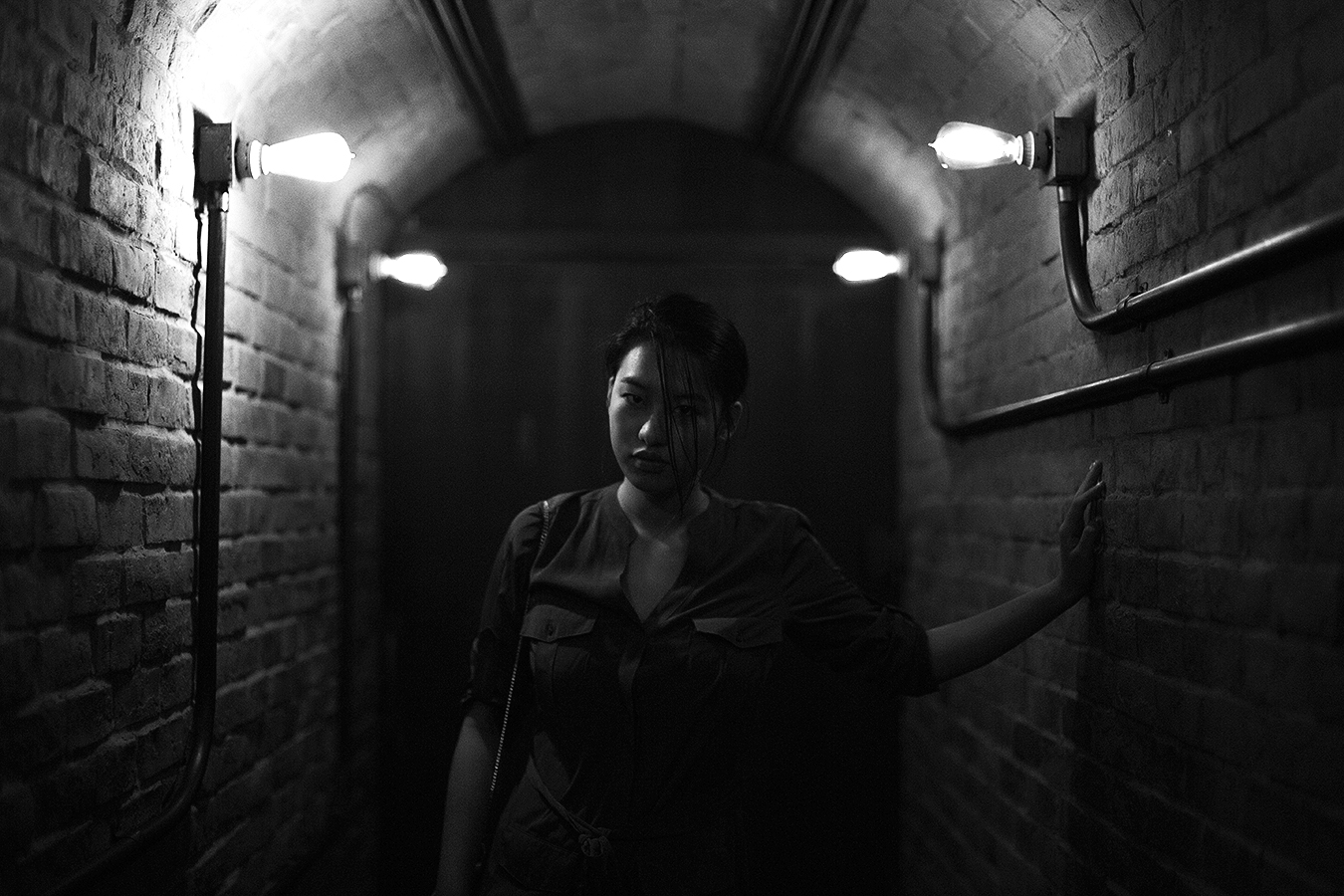 Linda_Ruan_under_the_light_black_and_white_canal