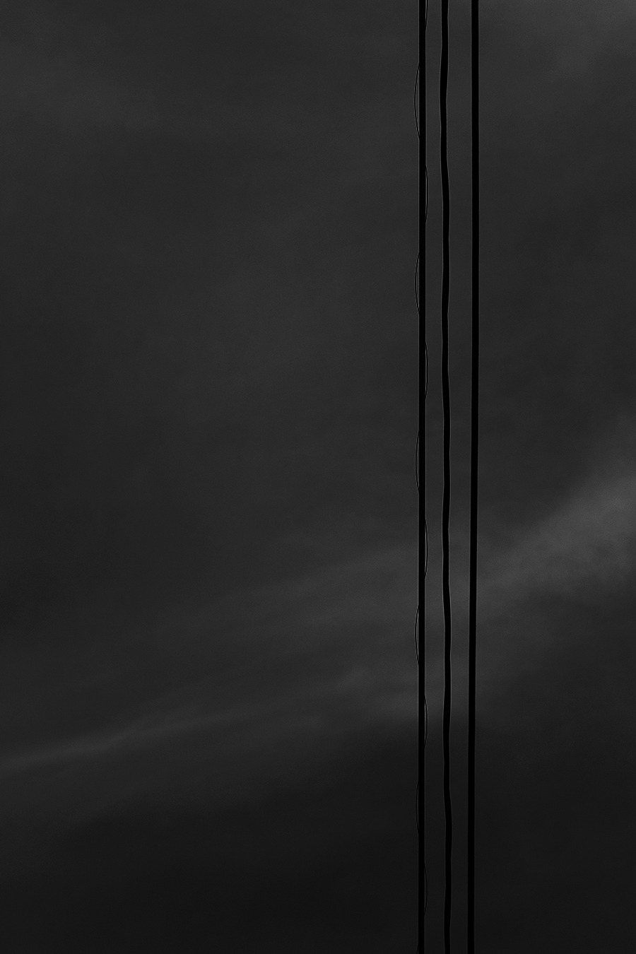 Linda_Ruan_black_and_white_photography_sky_wires_abstraction_still_life
