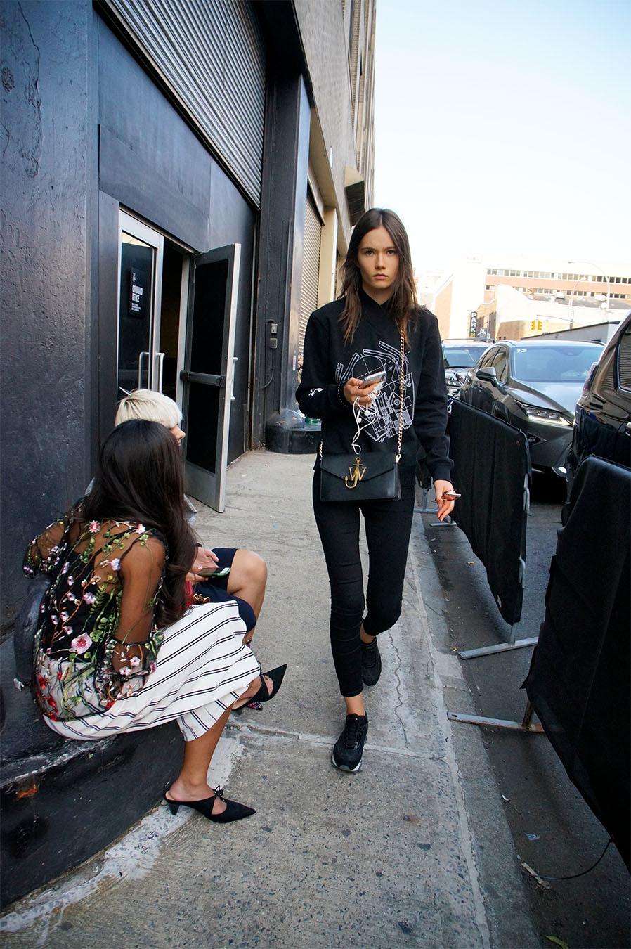 Noa_Baker_street_fashion_photography_new_york_thin_model