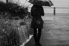 Noel_Zheng_photography_student_upenn_university_of_pennsylvania_Tony_Ward_Studio_New_York_City_travel_photography_black_and_white_snow_fall_brooklyn_bridge_architecture_woman_umbrella_wharf_urban_life_though_my_looking_glass
