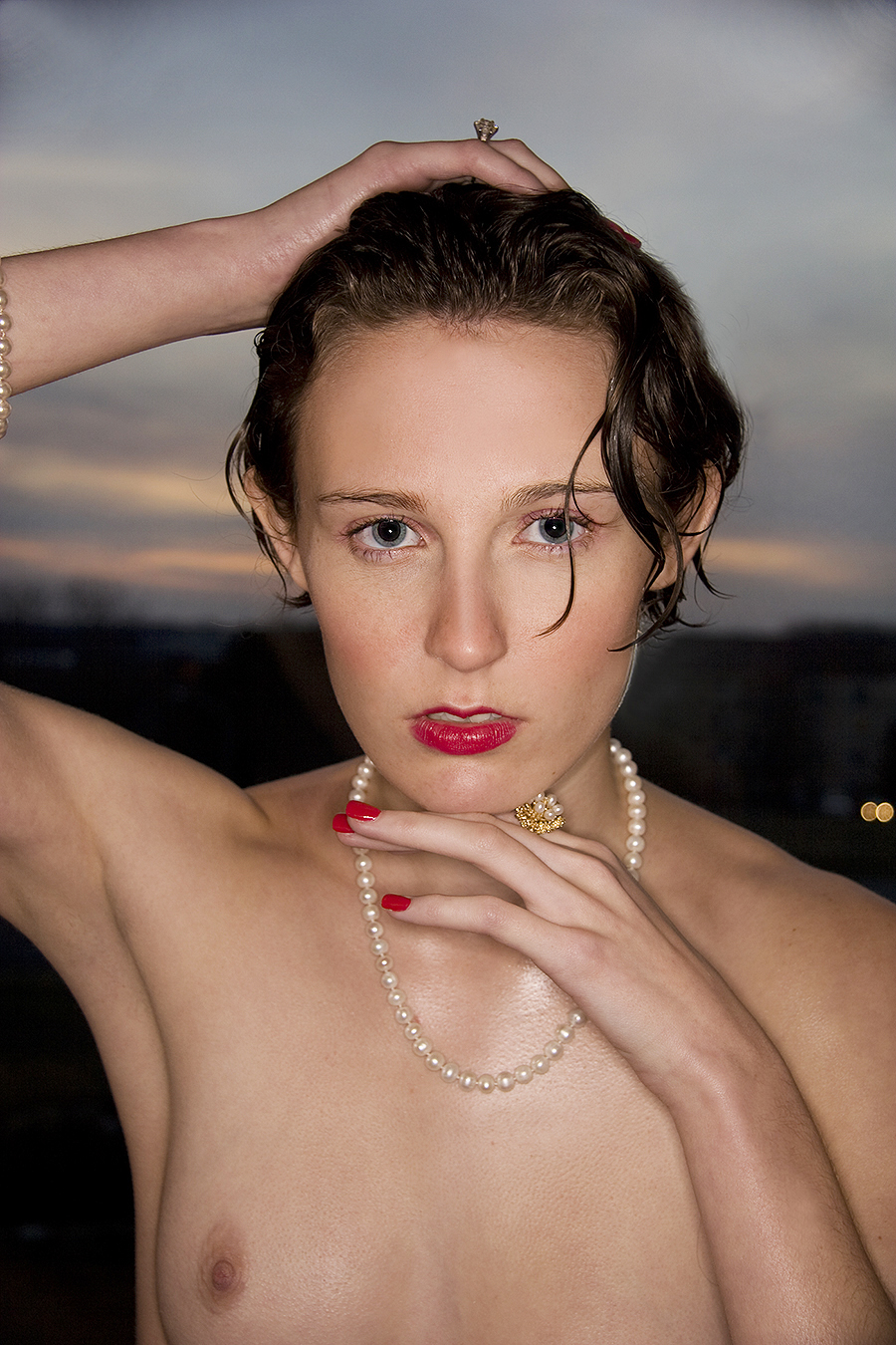 Tony_Ward_photography_portraiture_fashion_jewelry_necklace_pearl_young_topless_fashion_model_Elizabeth