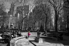 Rebecca_Huang_Philadelphia_Rittenhouse_Square_Running_around_little_girl_pink_playing_selective_black_and_white