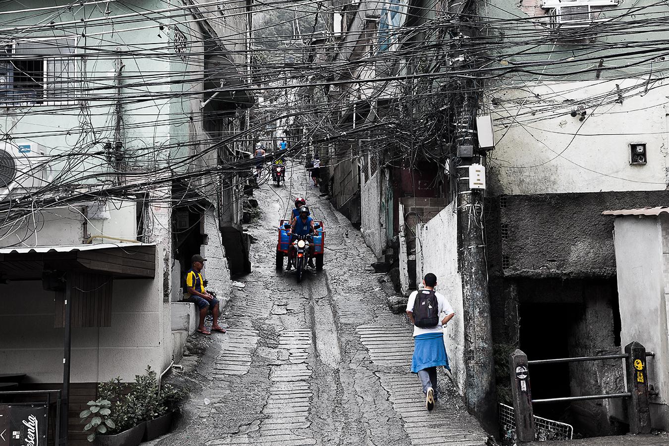 Rongrong Liu_Brazil_Rio De Janeiro_Farvela_A Normal Day_Semi-Colored