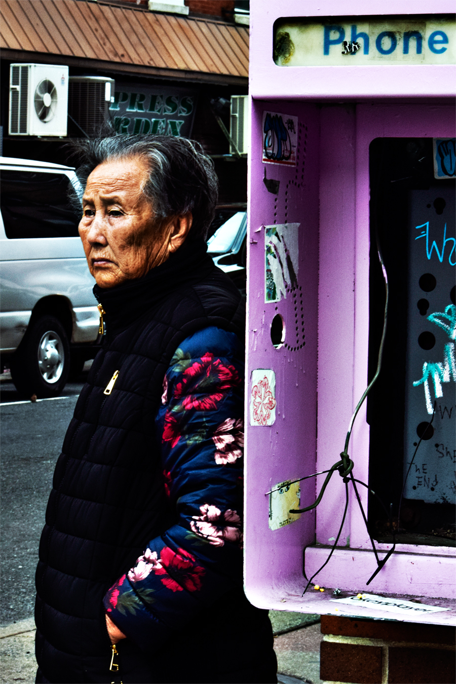 Victoria_Meng_Project3_Philly_Chinese_Elderly_Woman_Old_Pay_Phone_Pink_Pastel_Contrast_Chinatown_Philadelphia