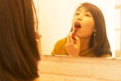 Xiaonan_Chen_fashion_photography_Tony_Ward_Studio_Asian_classy_UPenn_student_fashionable_hat_earrings_red_lipstick