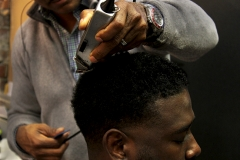 Yash_Killa_Barbershop_Haircut_Salon_close-up_trimmer