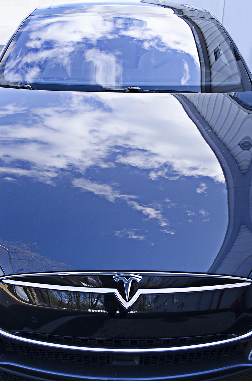 Colby_Hastings_photography_Tesla_motors_energy_saving_vehichle