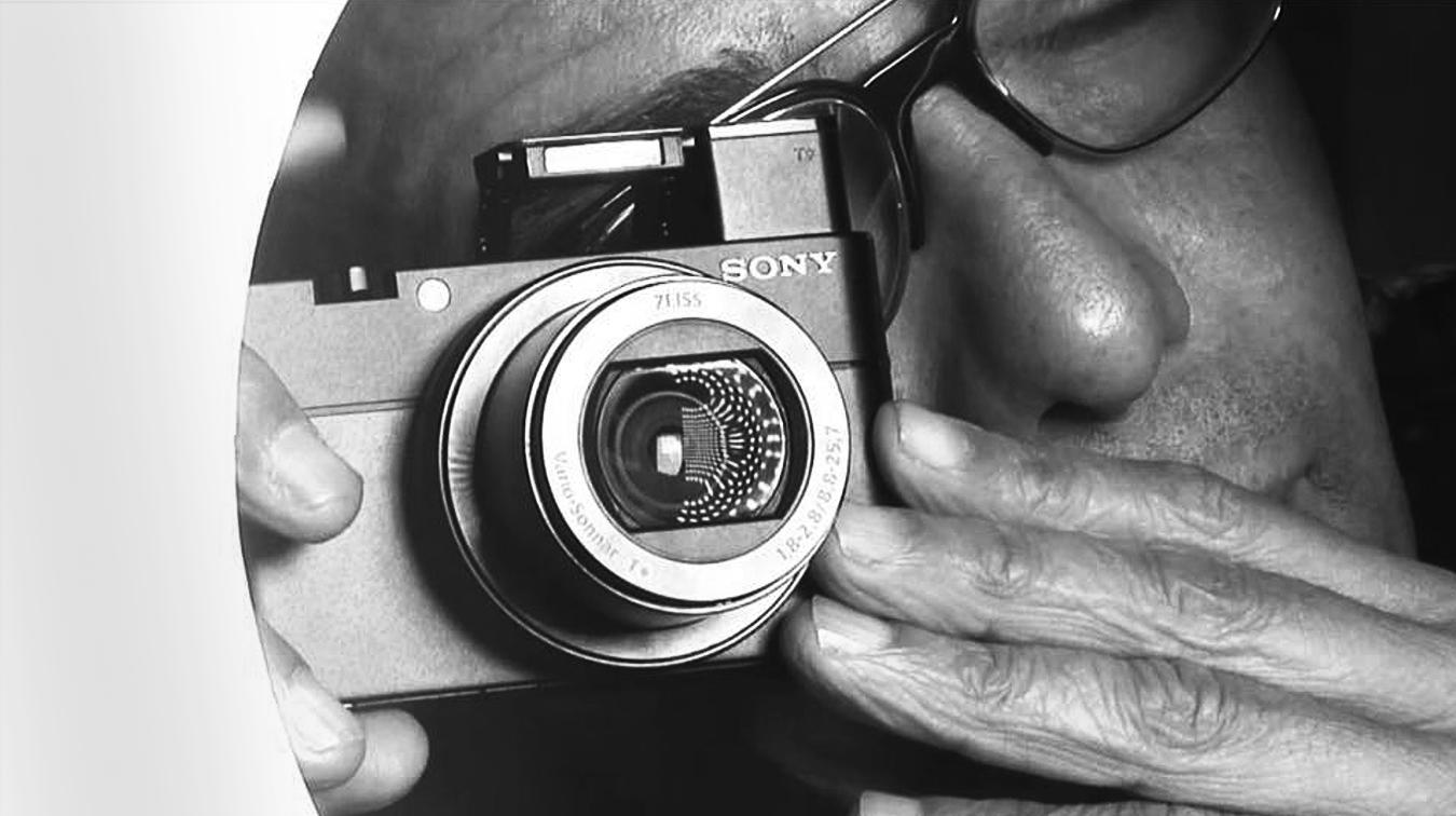 Tony Ward shooting with the SonyRX100V.