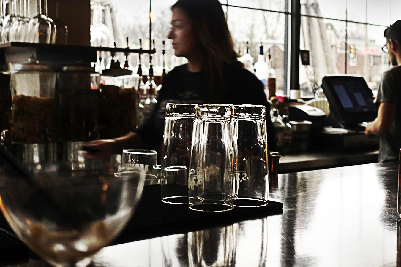 Happy Hour. Bernie's Bar & Restaurant. Photo: Tony Ward, Copyright 2018