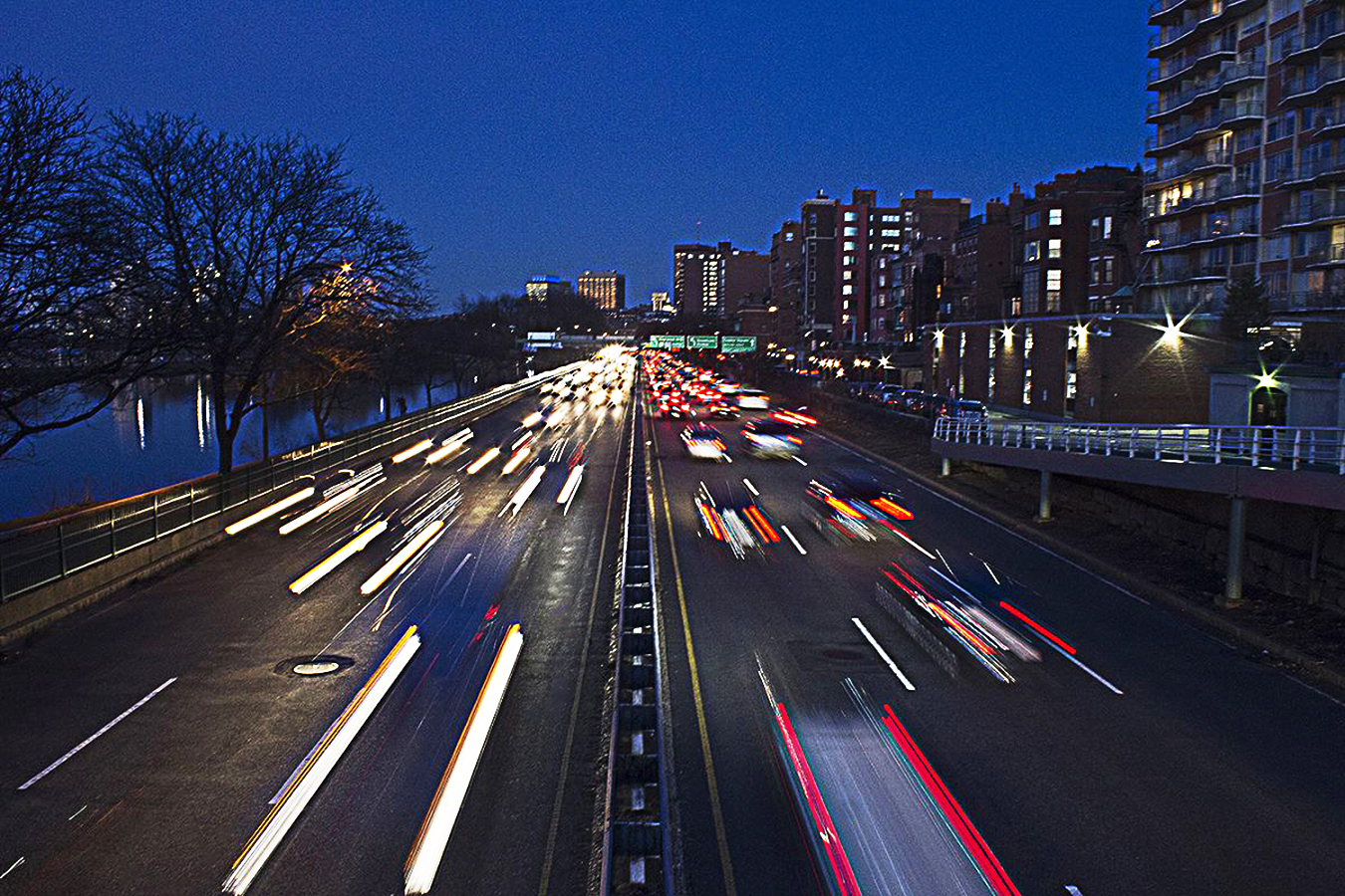 Tony_Ward_Studio_photo_David_Pang_Boston_cars-car-evening_rush_hour
