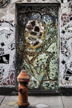 Leniqueca_Welcome_Place_Magic_Gardens_Fragments_Doorway_Green_Hydrant.jpg