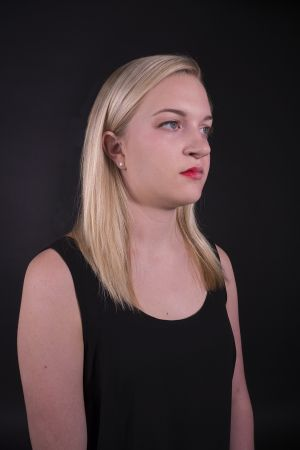 Kelly_Ha_Photography_Upenn_Penn_faces_front_face_Portraiture_portrait_makeup_young_womenkatie_eyes_closed_necklace_jewelry_katie_face_makeup_side_lipstick_lindsey_side_makeup.jpg
