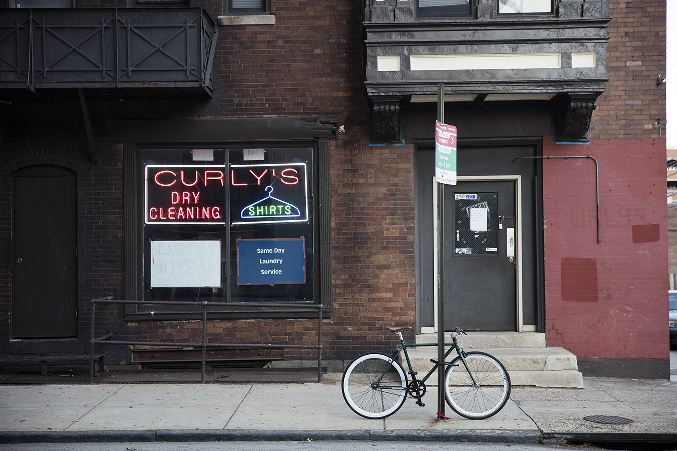 9_Curlys_Casey Egner_Street Photography_Ornament_Laundry_Bike_Neon_Brick_facade copy