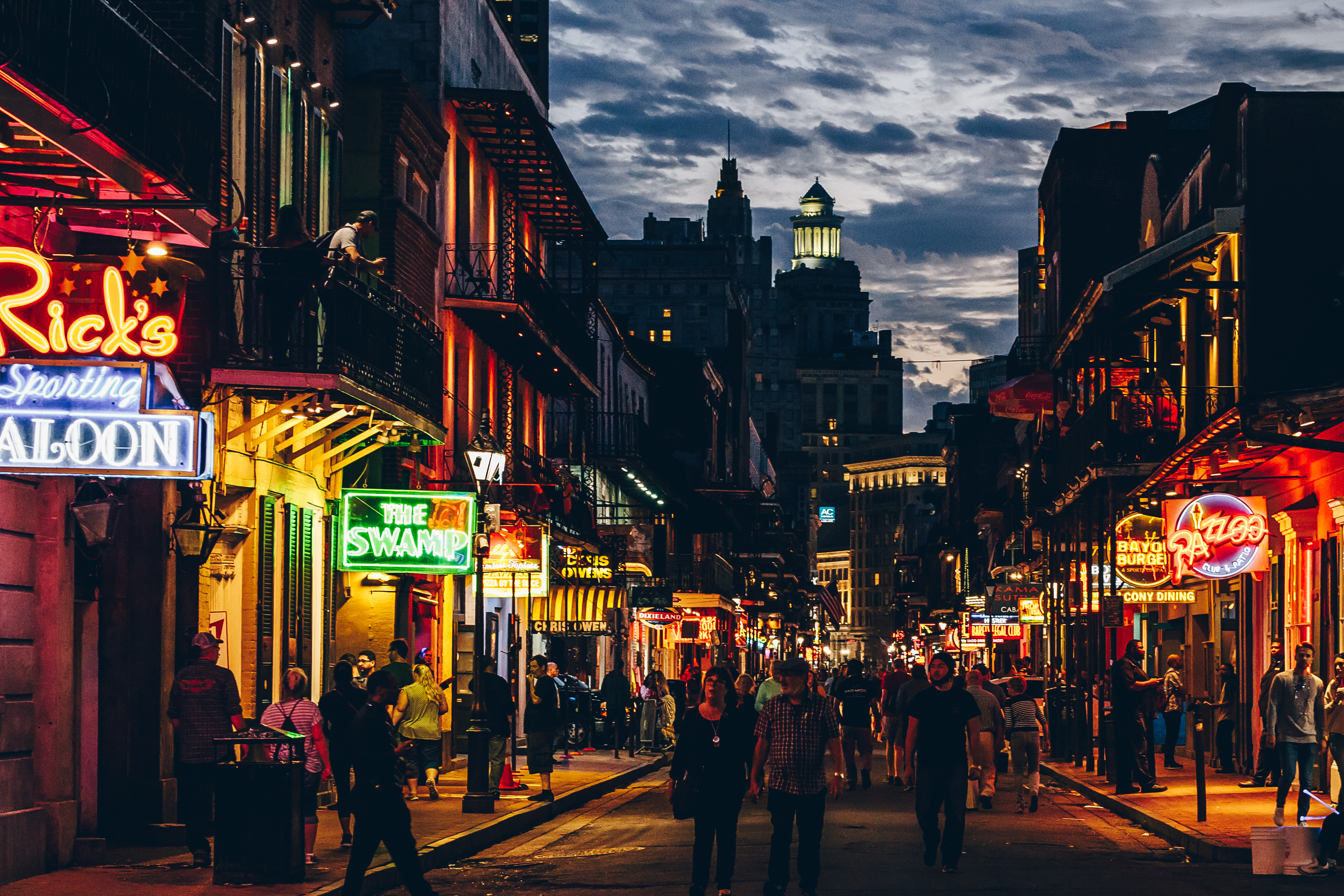 Wing_Hei_Emily_Cheng_Assignment_3_Travel_Photography_New_Orleans_Neon_Lights-1