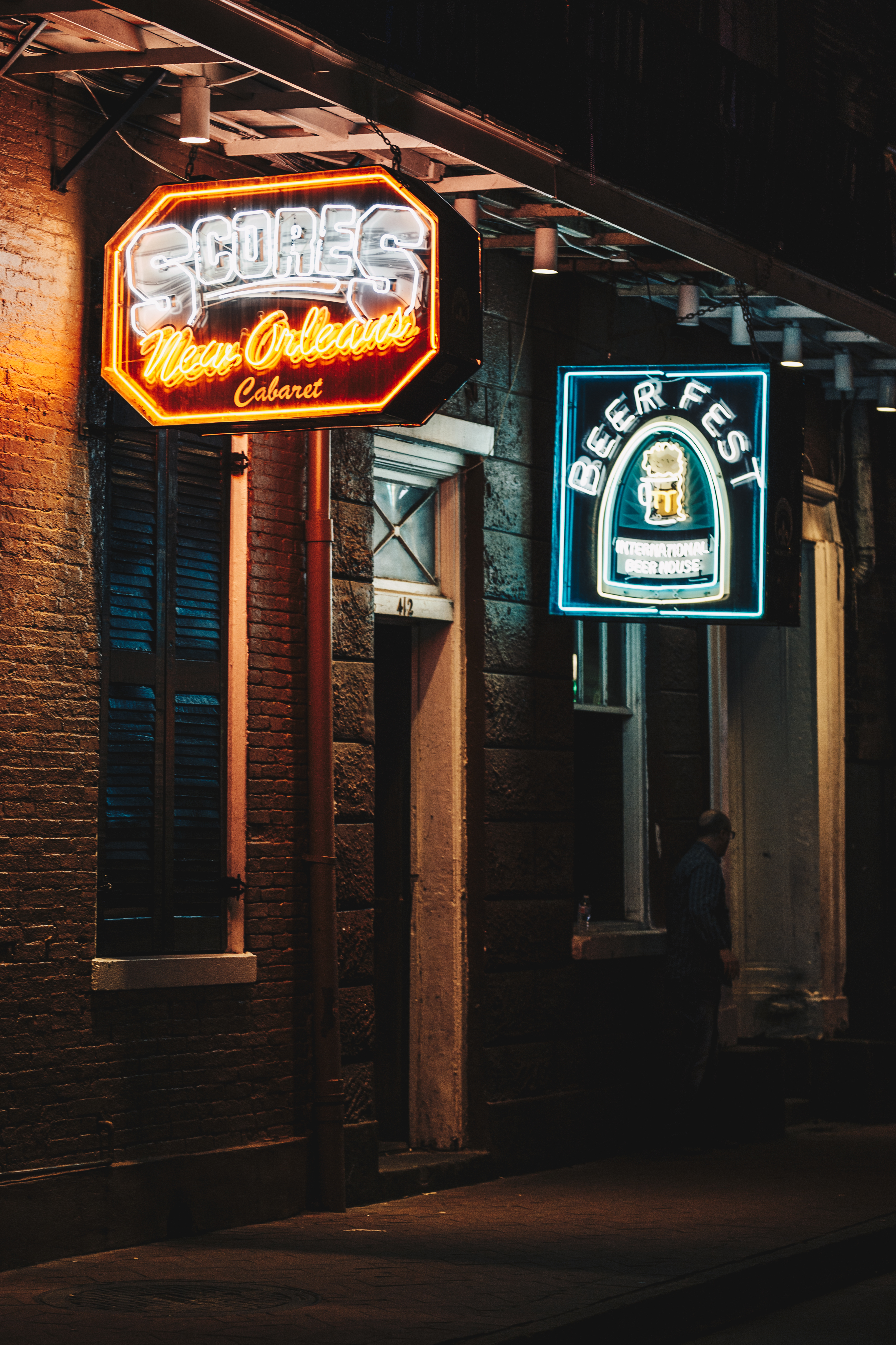 Wing_Hei_Emily_Cheng_Assignment_3_Travel_Photography_New_Orleans_Neon_Lights-7