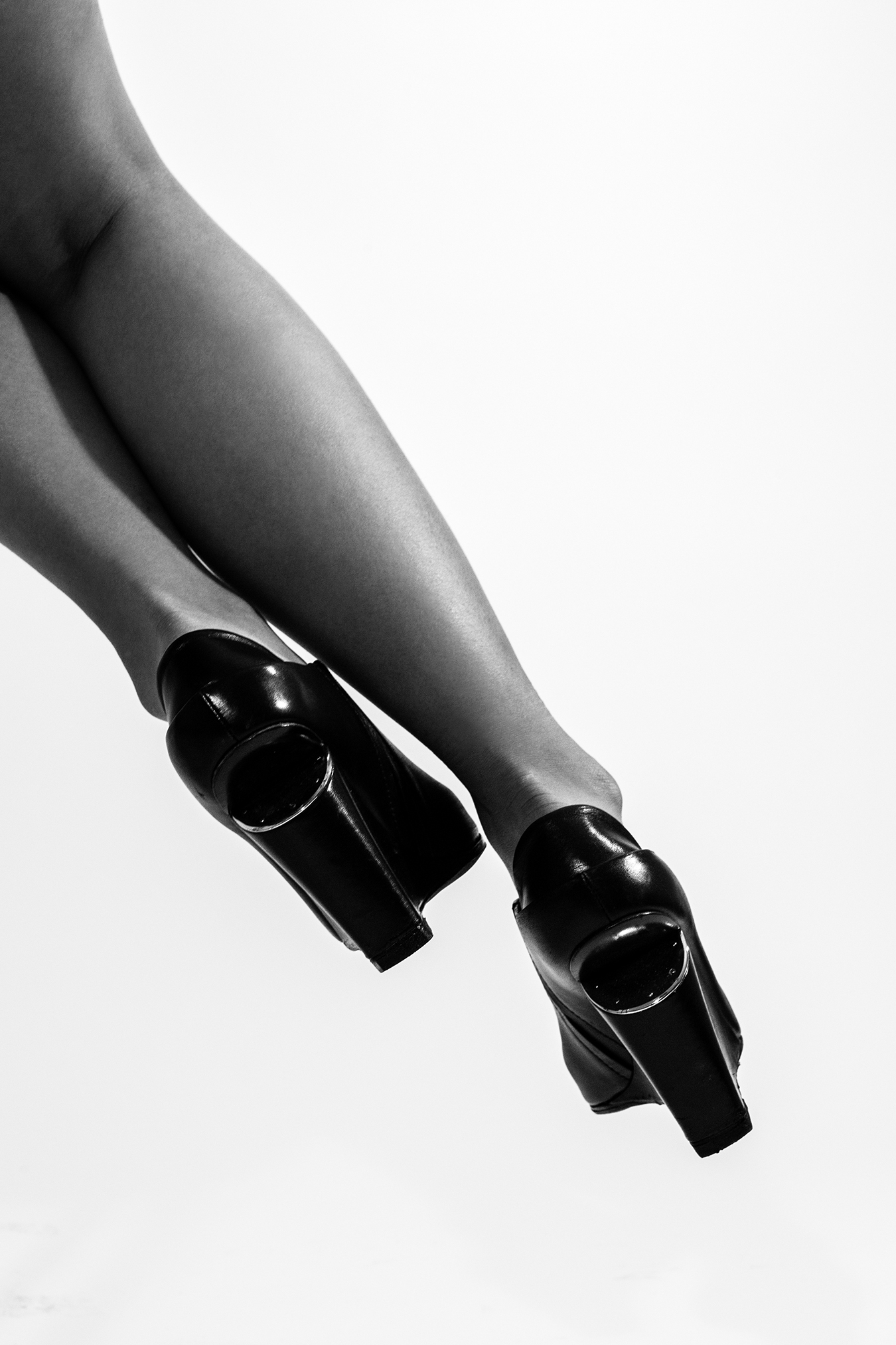 Wing_Hei_Emily_Cheng_Assignment_2_Still_Life_Objects_of_Desire_Shoes-8