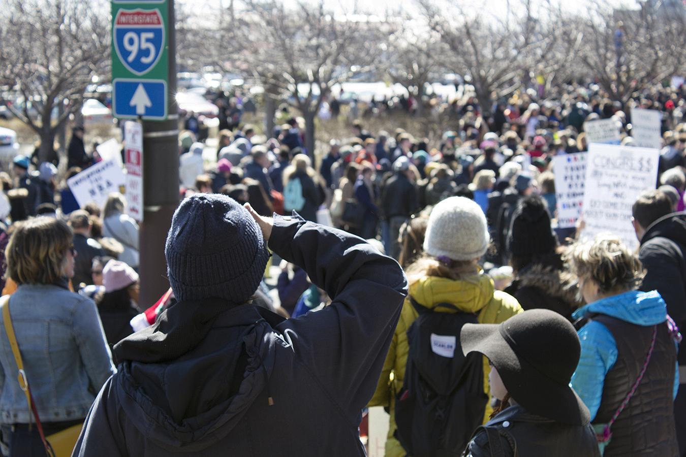 Hilary_Lam_Hugs_not_guns_protestor_philadelphia_Rally_Crowd
