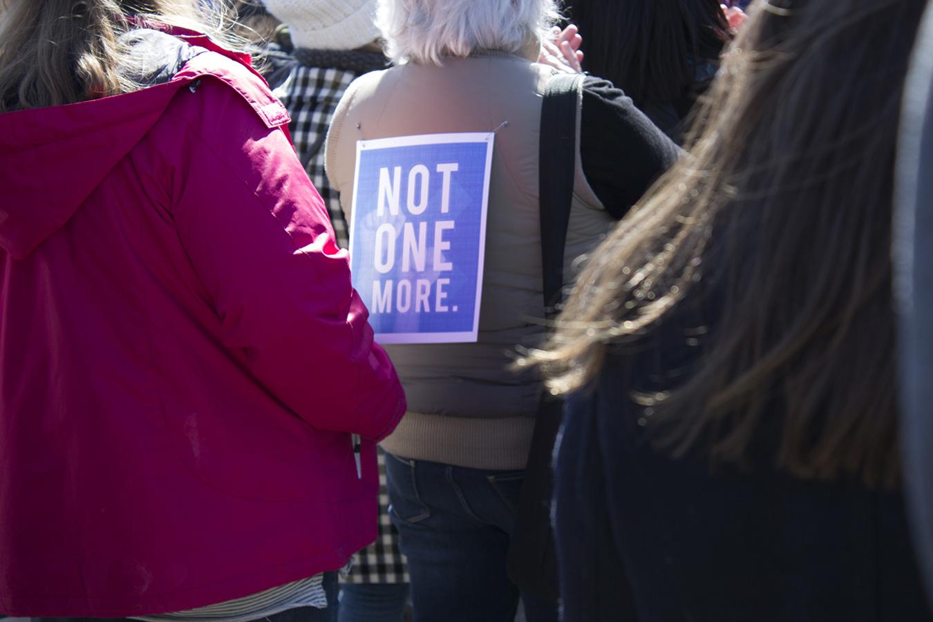 Hilary_Lam_Hugs_not_guns_protestor_philadelphia_anti_gun