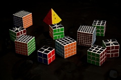 JULIA_CHUN_FLOATING_CUBES_DARKNESS_BLACK_GRAPHIC_VIVID