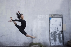 3_JULIA_CHUN_DANCER_CONTEMPORARY_CONTRAST_BLACK_WHITE_MODERN_GRACEFUL_JUMP