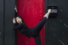 3_JULIA_CHUN_DANCER_CONTEMPORARY_MODERN_COLORS_GRACEFUL_HOUSE_STRETCH
