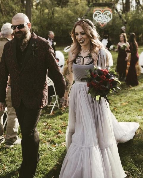 Brittany_Goldberg_wedding_roses
