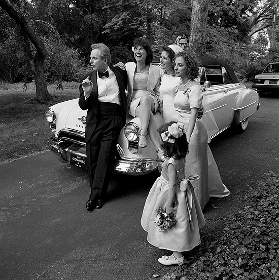 Larry_Fink_George_Plimpton_Vanity_Fair_wedding_party