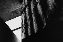 Linda_Ruan_depressed_girl_black_white_chirascuro_abstraction_graphic