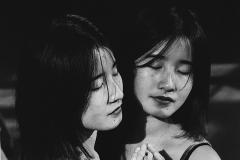 Linda_Ruan_depressed_girl_black_white_chirascuro_mirror_image_reflection_asian_beautiful_girl