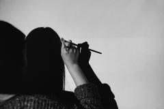 Linda_Ruan_depressed_girl_black_white_chirascuro_painting_fantasy