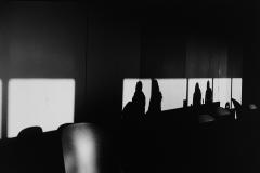Linda_Ruan_depressed_girl_black_white_chirascuro_people_silhouettes