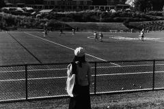 Linda_Ruan_depressed_girl_black_white_chirascuro_sports