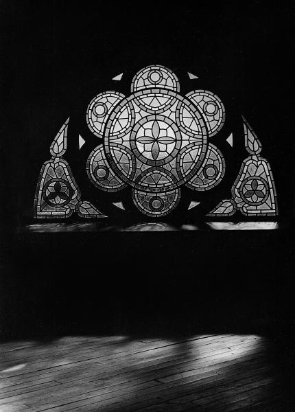 Lipi_Paladugu_light_reflected_series_church_window