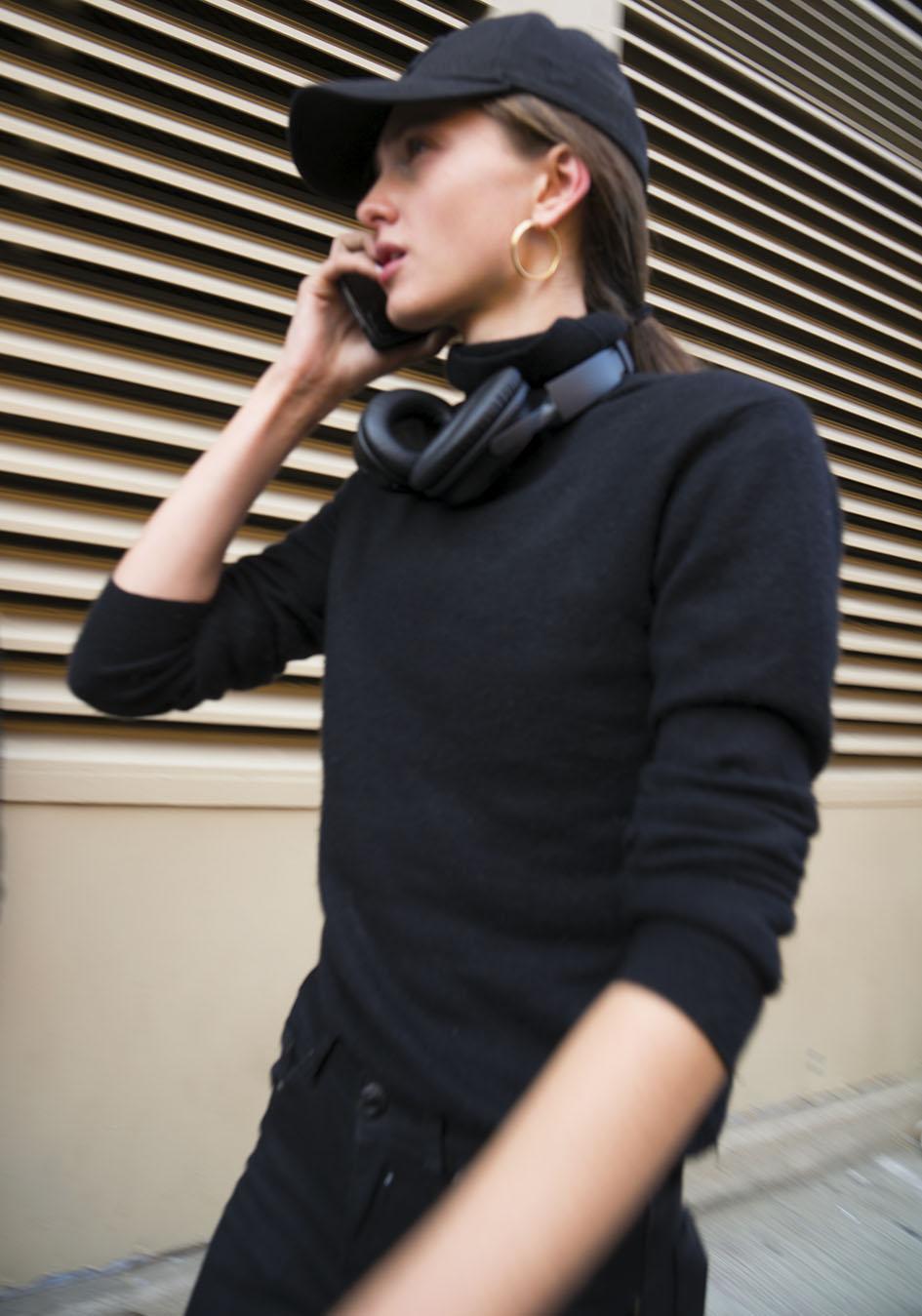 Noa_Baker_street_fashion_photography_new_york_hats_headphones
