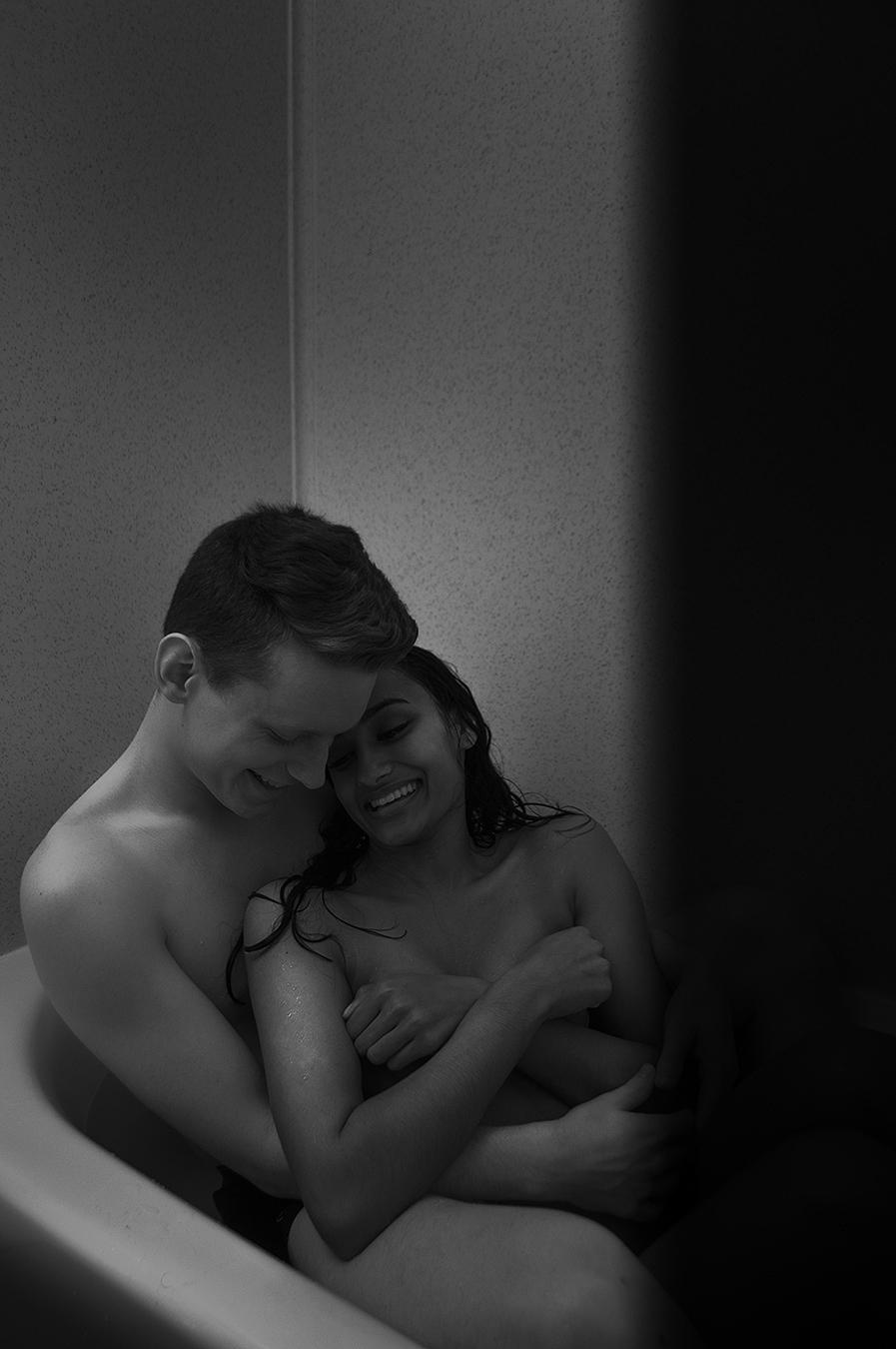 Noel_Zheng_photography_student_upenn_university_of_pennsylvania_Tony_Ward_Studio_Isuru_Amarasekera_Thomas_Calder_black_white_war_emotion_happiness_love_sex_bath_bathtub_wet