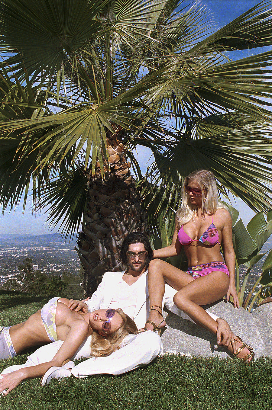 Tony_Ward_fashion_photography_German_GQ_Mulholland_Drive_Los_Angeles_bathing_suits_jackets_poolside_hollywood_hills
