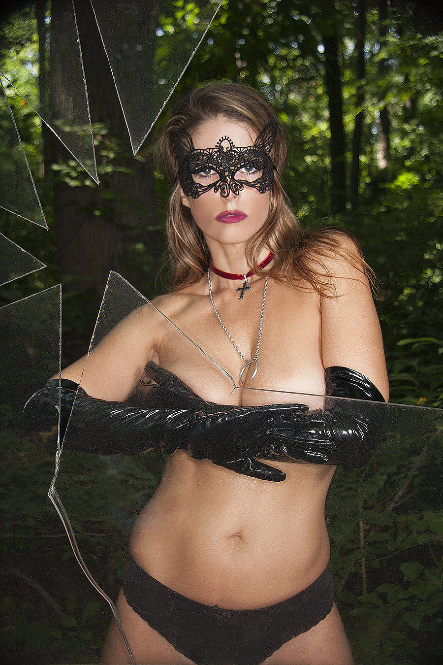 Tony_Ward_photography_portraiture_Jennifer_Grabel_Bates_Motel_underwear_broken_glass_mask_lace_Costume_latex_black_gloves