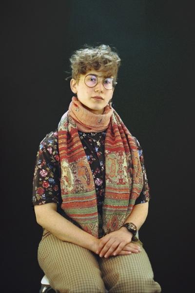 Jewish_student_portrait_campus_new-yorker_jerusalem-scarf_-israeli