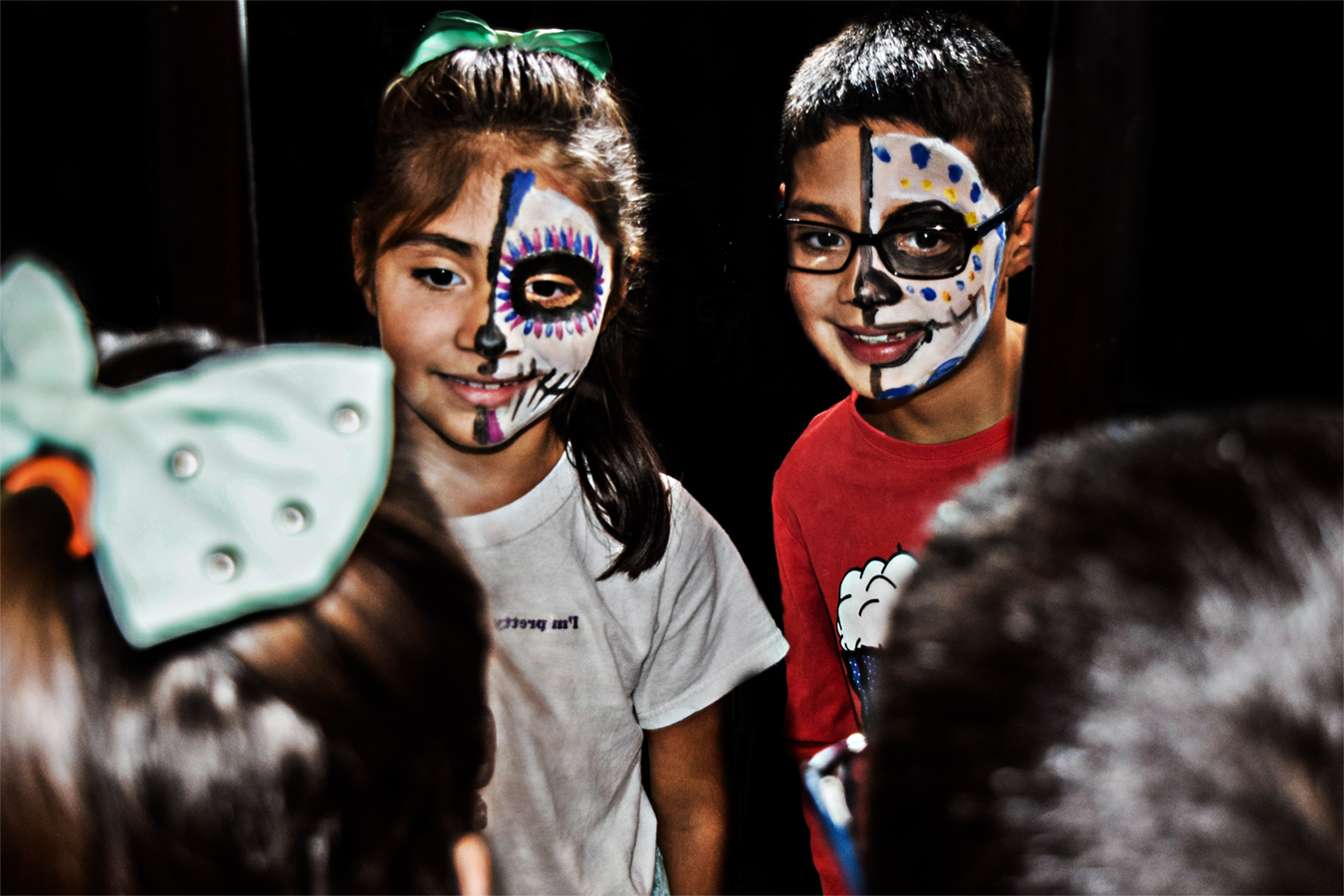 Victoria_Meng_Project3_Mirror_Kids_Looking_Face_Paint_Day_of_the_Dead_Celebration_Museum_Reflections